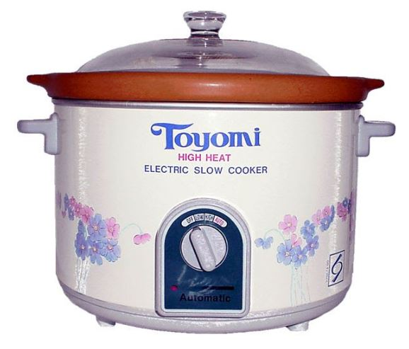 3-TOYOMI Slow Cooker